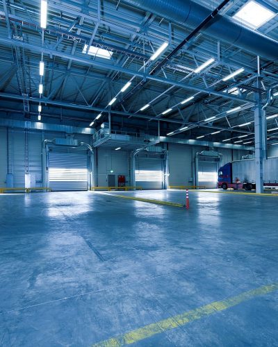 industrial-hall-1630741_1920
