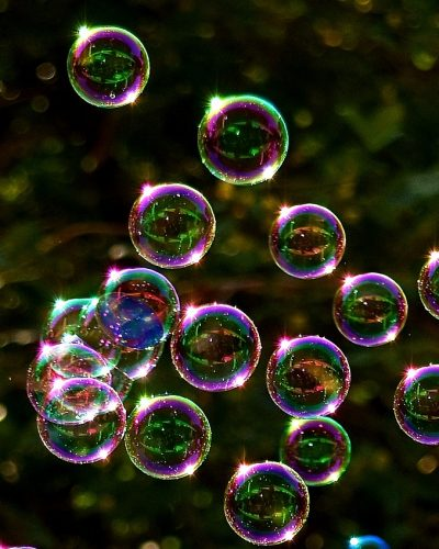 soap-bubbles-2417436_1920